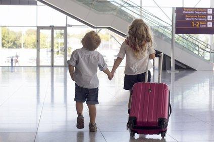 Деталі перетин кордону з дитиною