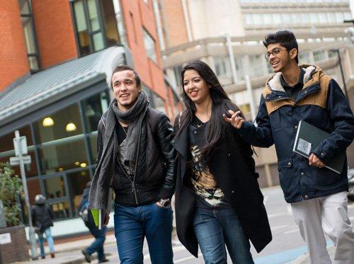 Как избежать дополнительного года обучения в университете Великобритании