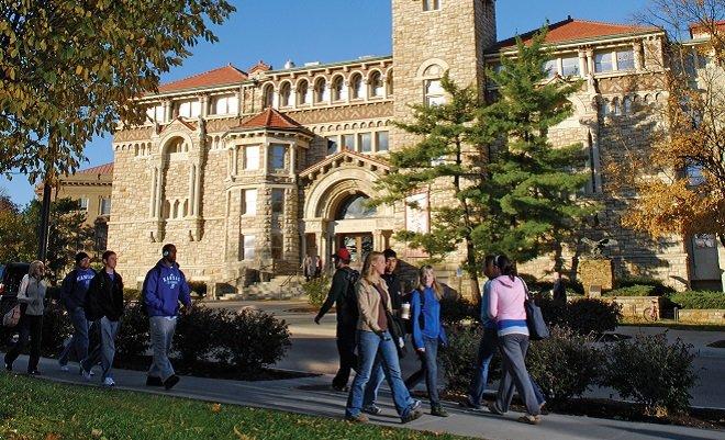 кампус University of Kansas