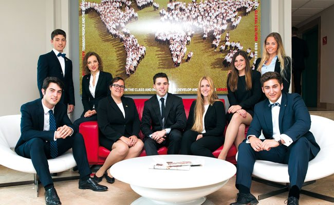 Les Roches Marbella: пост дипломная программа в сфере гостеприимства для выпускников университетов Украины и молодых специалистов